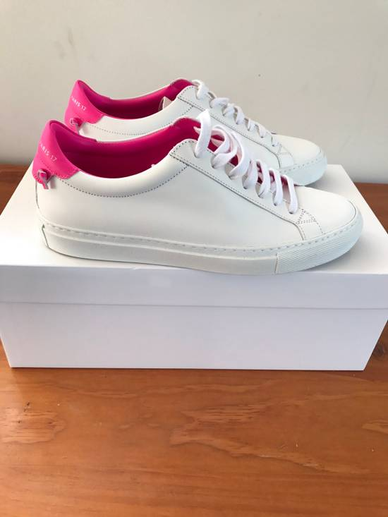 Givenchy Givenchy Woman's Low Top Sneakers Size US 7.5 / EU 40-41