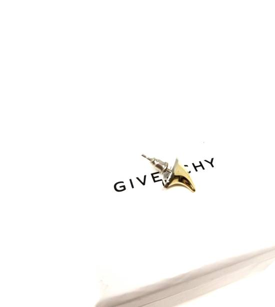 Givenchy NWT mainline fang earring Size ONE SIZE