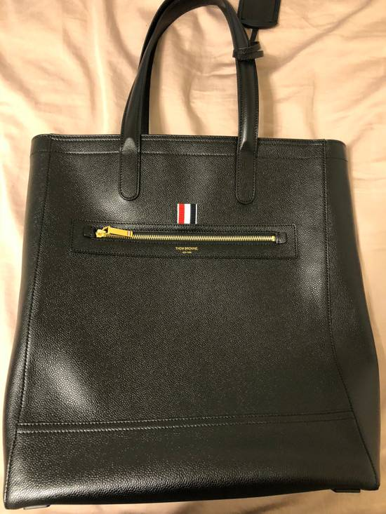 Thom Browne pebble grain leather tote bag Size ONE SIZE - 1