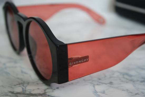 Givenchy NEW Givenchy GV 7056/S Black Red Tint Lens Circle Thick Rim Sunglasses Size ONE SIZE - 6