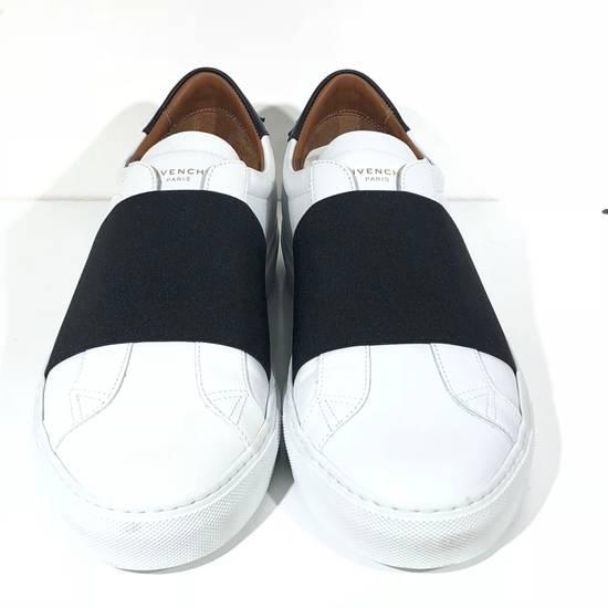 Givenchy Elastic Strap White Black Low Top Sneakers NIB Size US 7 / EU 40