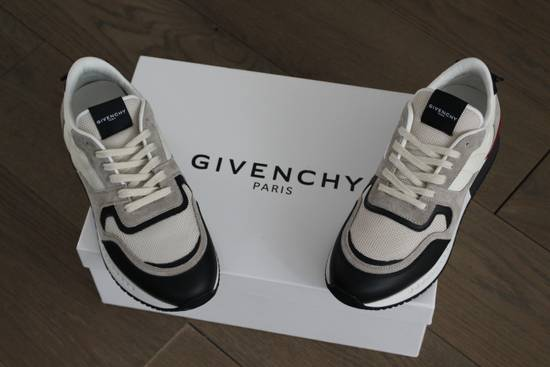 Givenchy Givenchy Runners Light Grey Size US 6 / EU 39 - 1