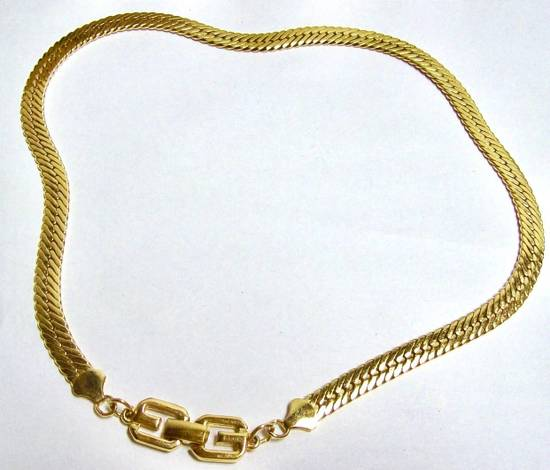 Givenchy Givenchy Herringbone G Clasp Yellow Gold Tone Flat Necklace Vintage Chain Size ONE SIZE