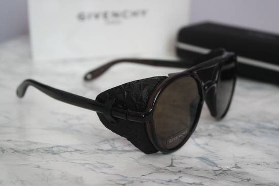Givenchy NEW Givenchy 7038 Brown Round Sunglasses with Black Star Embossed Leather Shields Size ONE SIZE - 6