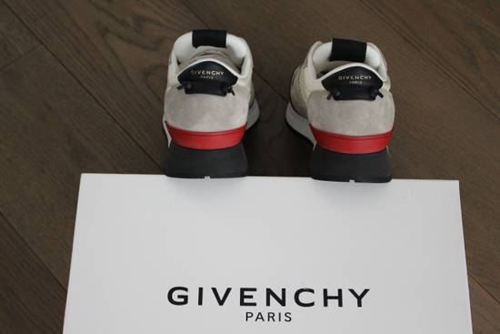 Givenchy Givenchy Runners Light Grey Size US 6 / EU 39 - 2