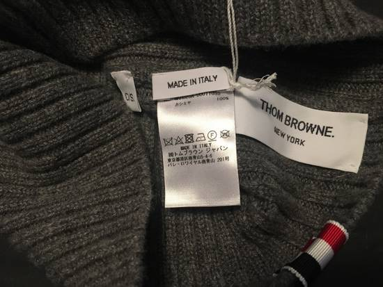 Thom Browne Ribbed Cashmere Balaclava in Grey Size ONE SIZE - 2