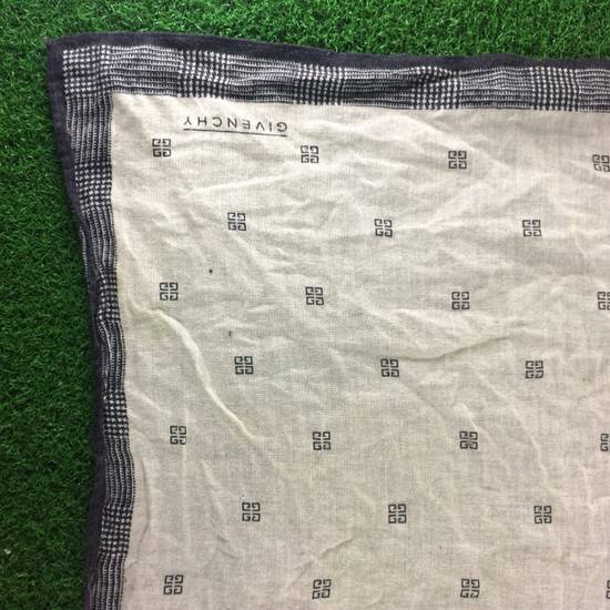 Givenchy Vintage GIVENCHY POCKETSQUARES One Size Size ONE SIZE