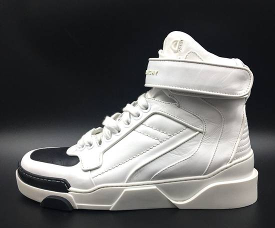 Givenchy Givenchy Black & White Tyson Style Sneakers Size US 8 / EU 41 - 1