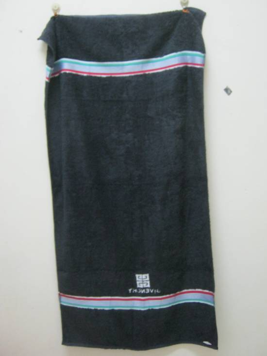 Givenchy WOW!!! WOW!!! WOW!!! NICE TO USE. GIVENCHY TOWEL. VERY CHEAP Size ONE SIZE - 2