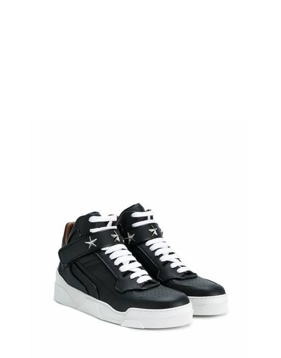 Givenchy Givenchy Tyson Star Embelisshed Hi Sneakers - Black (Size - 41) Size US 8 / EU 41 - 1
