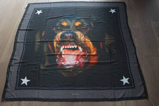 Givenchy Givenchy Rottweiler scarf Size ONE SIZE