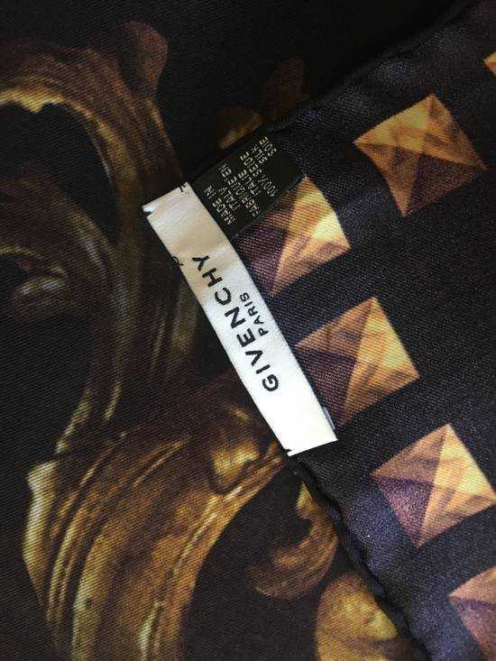 Givenchy Givenchy Madonna Print Scarf Size ONE SIZE - 2