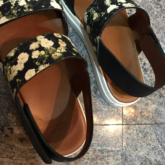 Givenchy Givenchy Floral Print leather strap sandals Size US 8 / EU 41 - 1