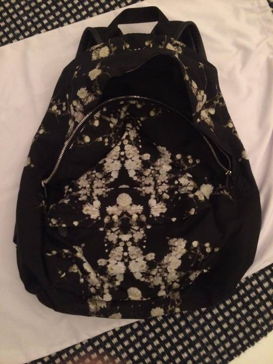 Givenchy Baby Breath Backpack Size ONE SIZE - 7