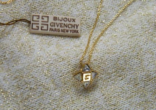 Givenchy Givenchy G Pendant Crystal Star Gold Tone Chain Vintage Necklace Diamonds Size ONE SIZE - 4