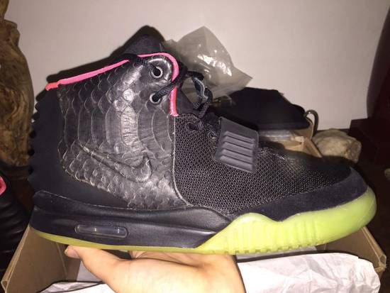 competitive price 46441 9cbca Nike air Yeezy 2 Solar Red Size 11 8.5/10 Og all