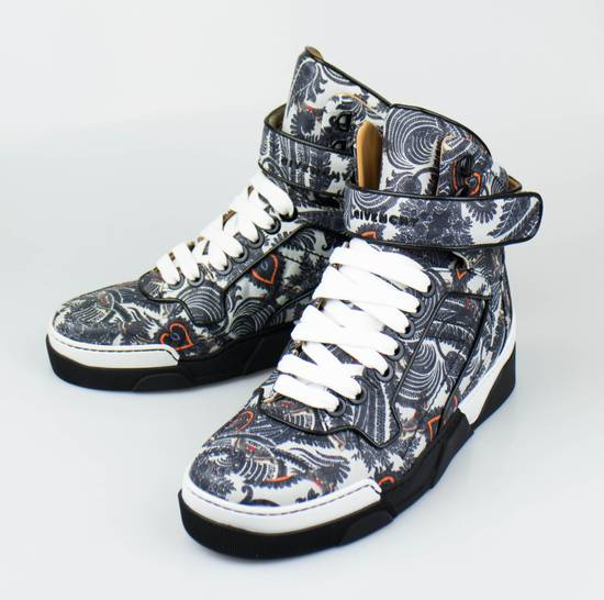 Givenchy Gray Leather Hi-Top Fashion Sneakers Size US 7 / EU 40