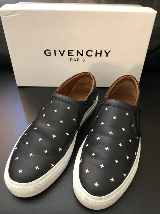 Givenchy Low top Skate Sneaker Size US 7 / EU 40 - 2