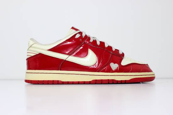 Nike 2004 Nike Dunk Low Valentines Day Size US 9.5 / EU 42-43 - 2