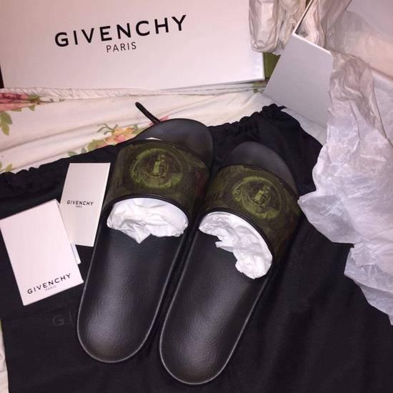 Givenchy Givenchy Money Slip One Size US 8 / EU 41