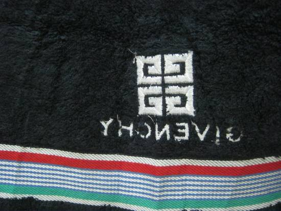Givenchy WOW!!! WOW!!! WOW!!! NICE TO USE. GIVENCHY TOWEL. VERY CHEAP Size ONE SIZE - 3