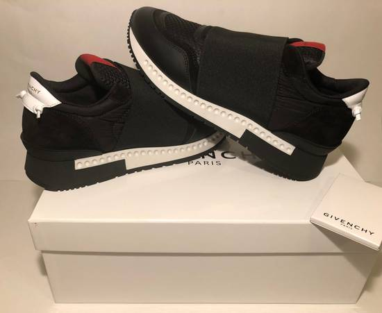 Givenchy GIVENCHY ELASTIC RACE RUNNER LOW TOP NEW Size US 8.5 / EU 41-42