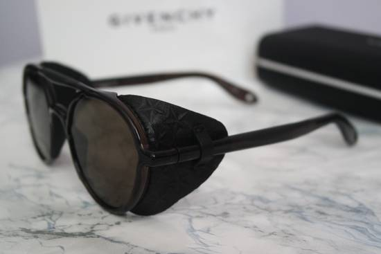 Givenchy NEW Givenchy 7038 Brown Round Sunglasses with Black Star Embossed Leather Shields Size ONE SIZE - 7