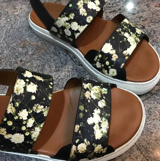 Givenchy Givenchy Floral Print leather strap sandals Size US 8 / EU 41 - 2