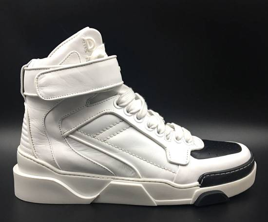 Givenchy Givenchy Black & White Tyson Style Sneakers Size US 8 / EU 41