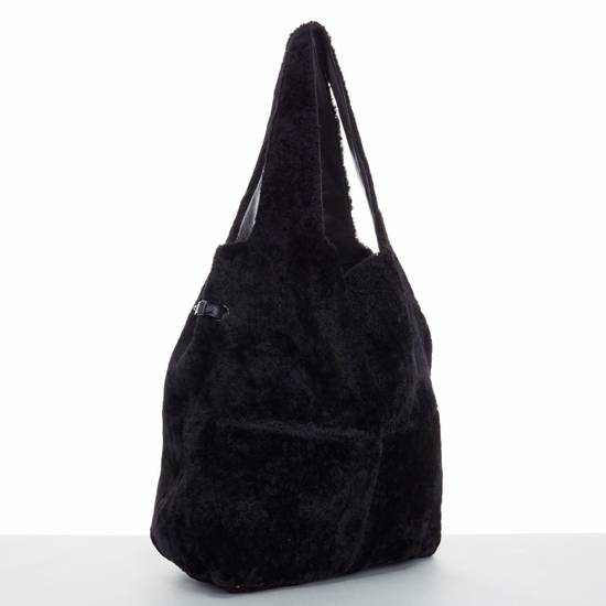 Givenchy GIVENCHY TISCI black reversible leather shearling fur oversize hobo shoulder bag Size ONE SIZE - 4