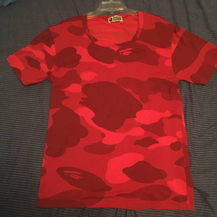 a70d9f09b05e Bape RED CAMO BAPE TEE Size l - Short Sleeve T-Shirts for Sale - Grailed