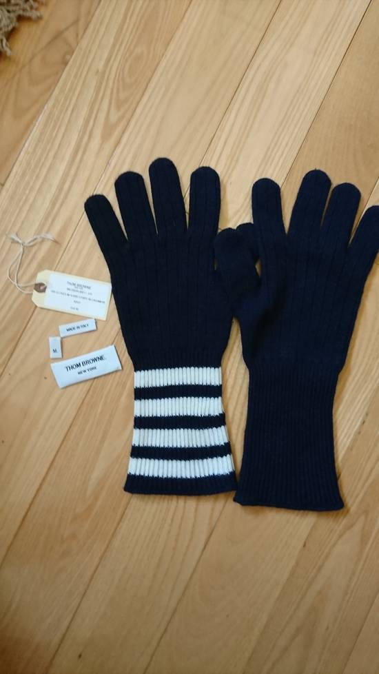 Thom Browne Navy cashmere long gloves with 4 bar. Size M Size ONE SIZE - 1