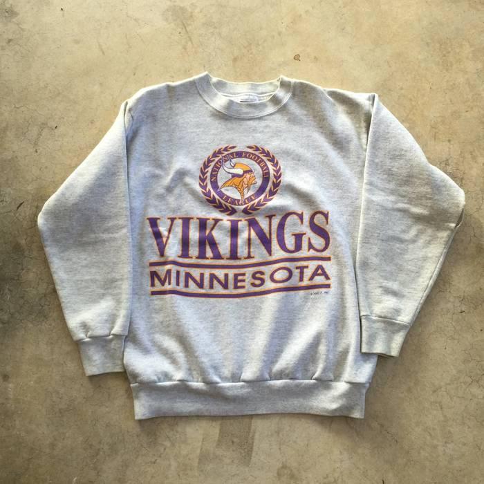 6997f7e48 Vintage Vintage 90 s Logo 7 x NFL Minnesota Vikings Script Spellout Graphic  Screen Print Crewneck Sweater