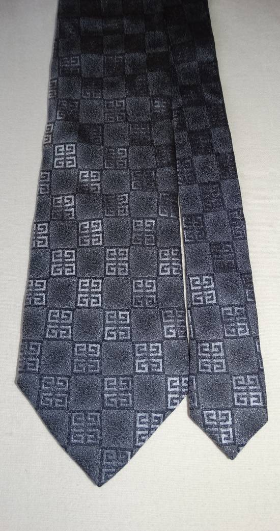 Givenchy Givenchy grey squarred G stripped tie made in Italy 100% silk Size ONE SIZE