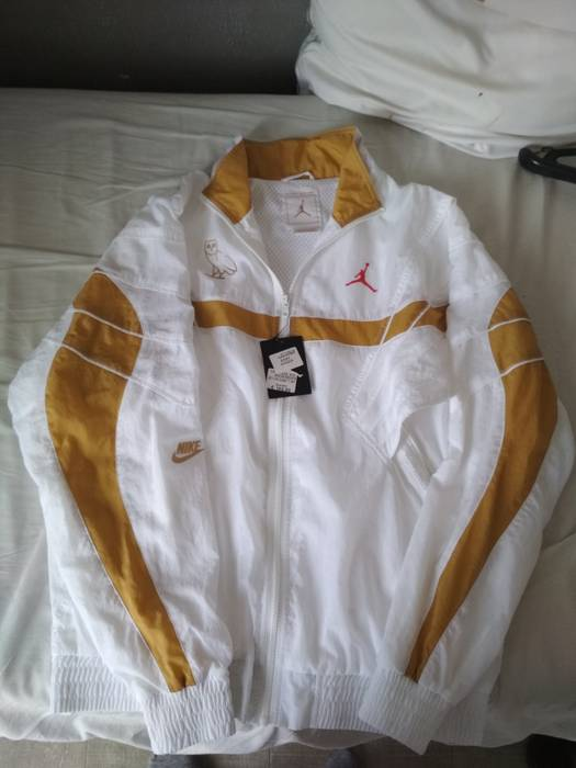 9b009badaffbf9 Drake Ovo x Jordan White Gold jacket dswt Size s - Light Jackets for ...