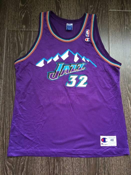 Champion Rare New Vintage 90s Champion NBA Utah Jazz Karl Malone 32 ... a4f1f9920