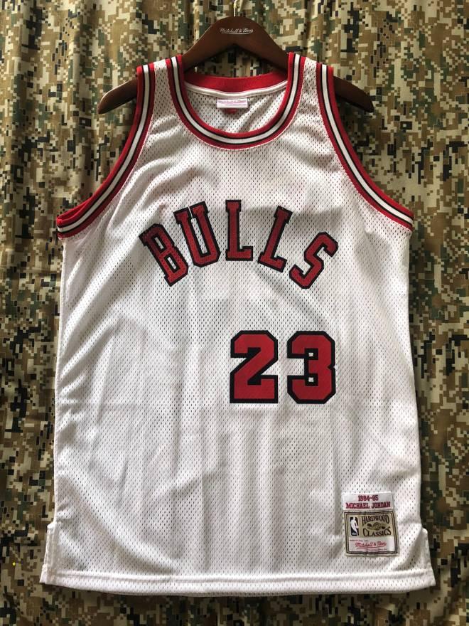 5fe0e4e86c46 ... cheapest mitchell ness michael jordan 1984 85 authentic jersey chicago  bulls size us l e1800 355a9